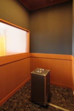 1F 喫煙室